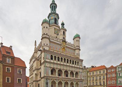 Town Hall by A.Savin - CC BY-SA 3.0