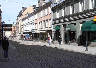 500px-Drottninggatan-Hospitalsgatan,_Norrköping_april_2005